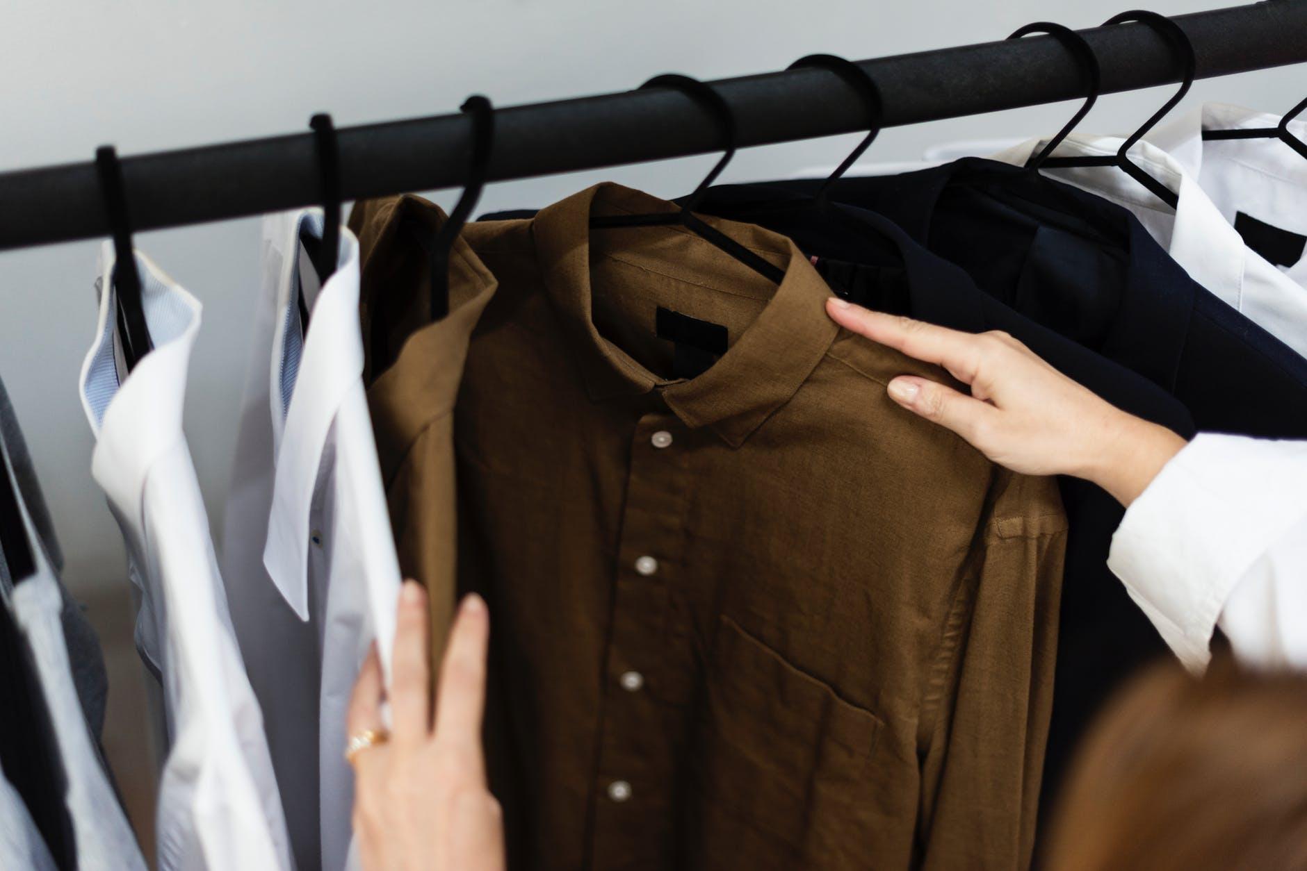 เสื้อผ้ามือสอง